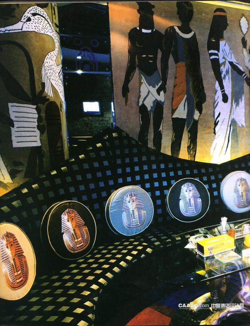 沙发狮身人面像雕塑玻璃桌图案抱枕壁画装饰墙手绘图