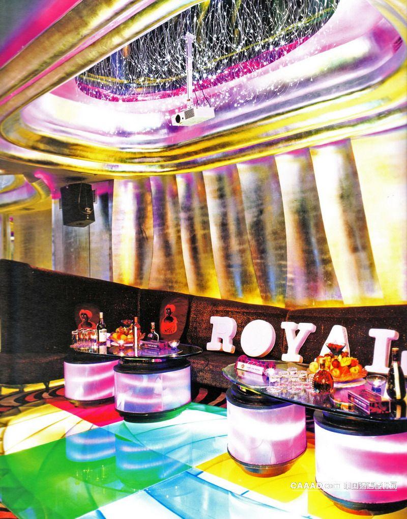 中國酒店設計網 裝修效果圖 >> 軟包包房(一角)造型天花板天花吊燈