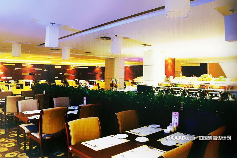 中国酒店设计网 装修效果图 >> 餐吧餐厅隔断室内绿色植物水果餐具