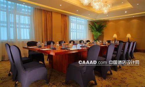 会议室欧式吊灯窗帘凳子会议桌台灯效果图