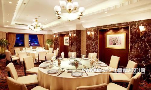 中国酒店设计网 装修效果图 >> 中餐包房宴会包间欧式吊灯壁灯射灯