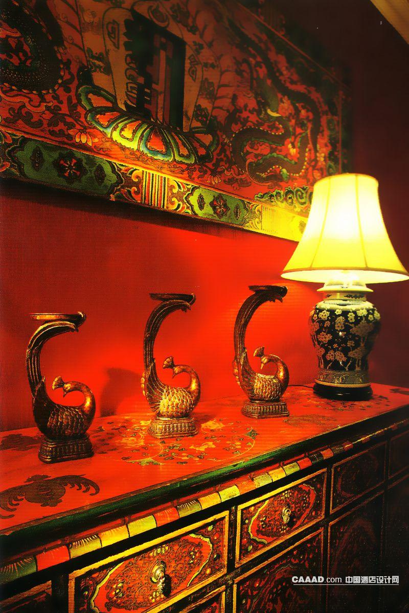 欧式古典风格大厅(一角)壁饰挂画柜子工艺摆设雕塑