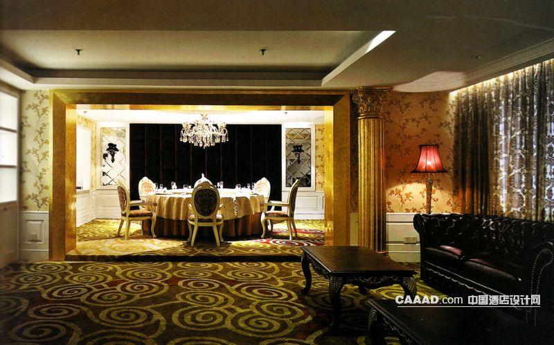 装修效果图 >> 欧式新古典风格餐厅包房地毯欧式餐桌