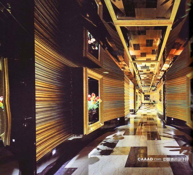 欧式新古典风格餐厅走道大理石地面玻璃天花板挂画墙