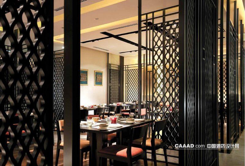 餐厅木格隔断餐桌餐椅-中国酒店设计网