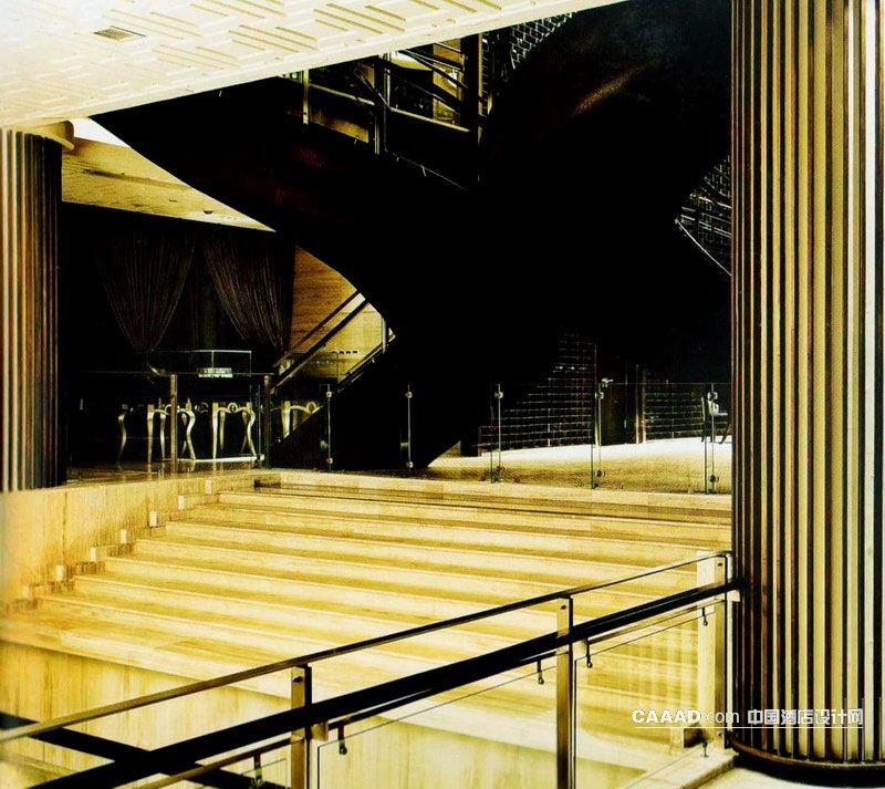 中厅欧式楼梯柱子护栏玻璃不锈钢效果图