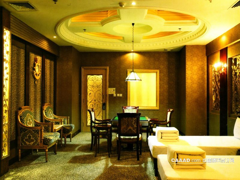 欧式椅子休闲椅麻将桌花纹地毯艺术玻璃挂钟壁灯射灯