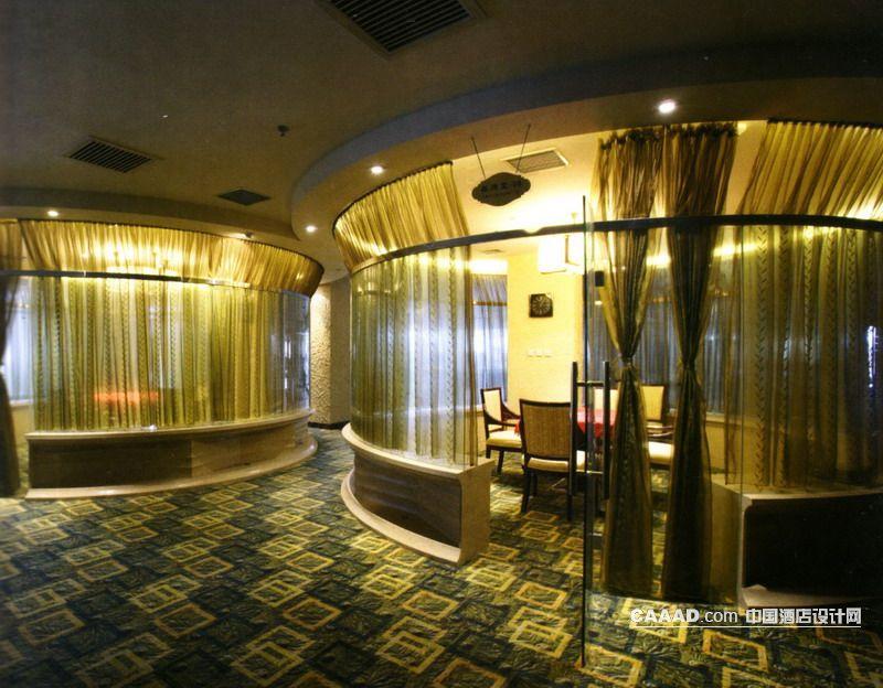 娱乐休闲棋牌室圆形玻璃窗帘吊灯地毯铁圈射灯效果图
