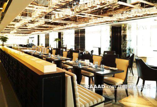 西餐厅餐桌餐椅隔断天花装饰椅子效果图 西餐厅餐桌餐椅隔断天花装饰高清图片
