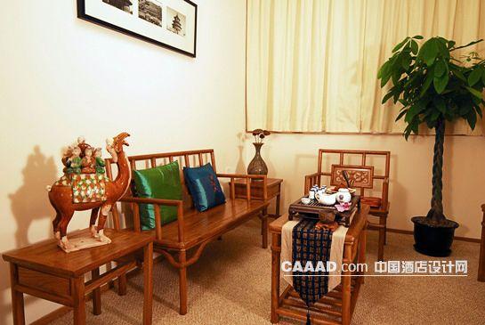 中式套房客厅桌子椅子茶几盆景