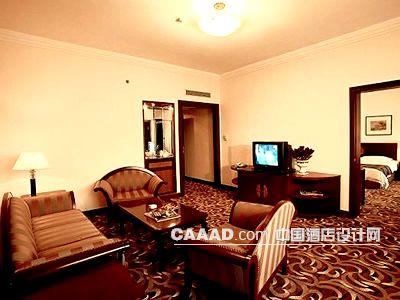 装修效果图 >> 套房客厅地毯沙发茶几电视柜装修效果