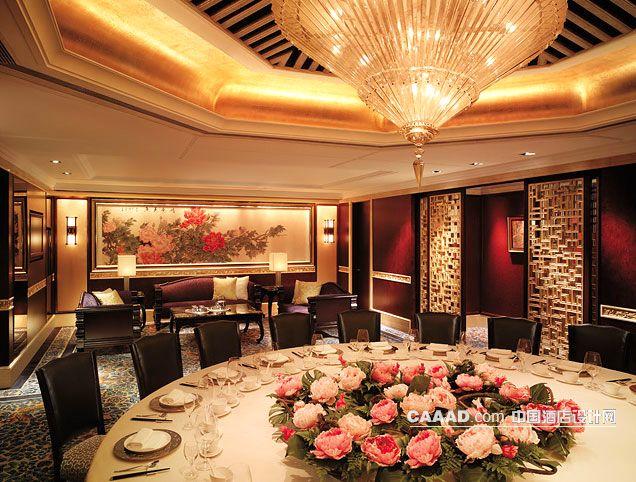 装修效果图 >> 中式餐厅包房宴会包间吊灯挂画沙发