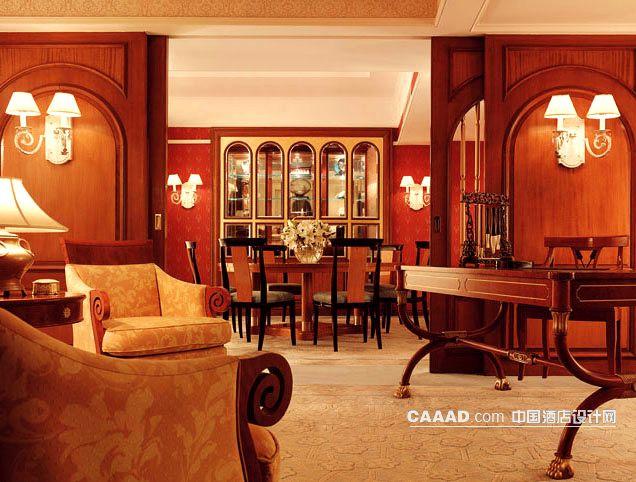 长春香格里拉大酒店套房欧式壁灯办公桌文房四宝沙发