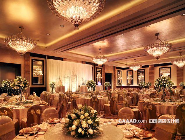 相关宴会厅多功能厅吊灯餐桌椅子效果图欣赏图片