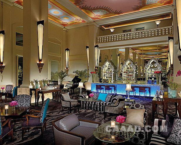 酒吧吧台吧椅钢琴壁灯沙发玻璃桌地毯酒柜手绘丝绸