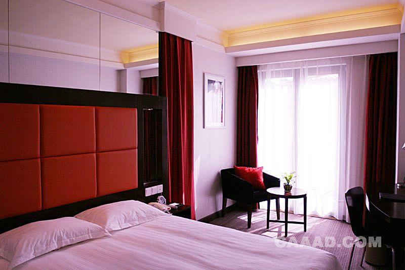 客房床床头背景墙椅子圆桌