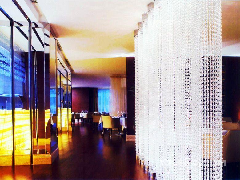 相关酒吧(一角)通道水晶吊帘效果图欣赏图片