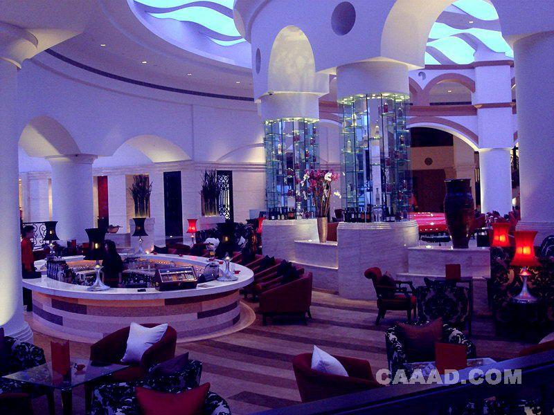 效果图 镜面/咖啡厅镜面柱子吊顶地毯效果图欣赏共获得1 票上一张下一张