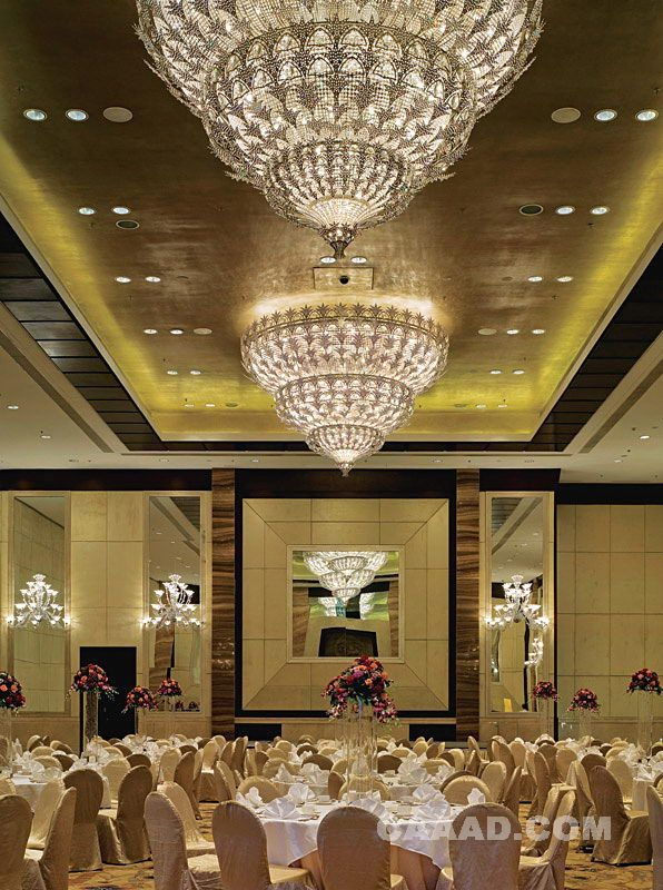 西安香格里拉多功能厅水晶吊灯宴会厅效果图