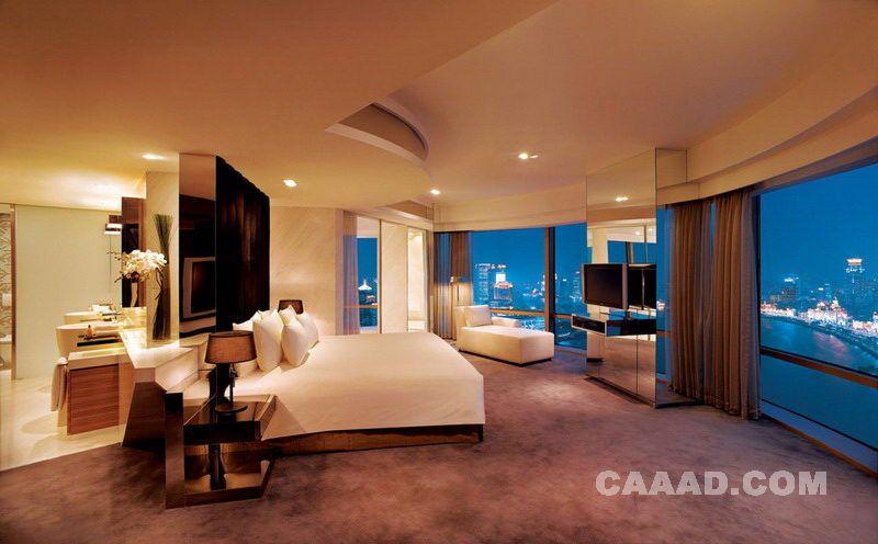 <font color=red>上海</font>外滩<font color=red>茂悦大酒店</font>总统套房卧室镜面电视墙床