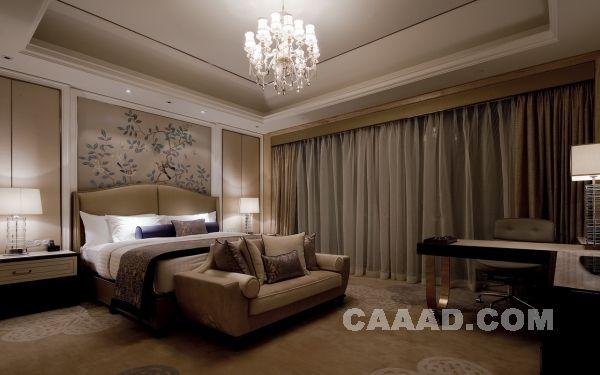 酒店大床房 欧式 吊灯